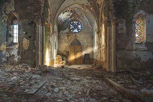 Kirche mit Lichtstrahl