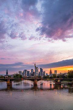 Frankfurt am Main Skyline van Fotos by Jan Wehnert