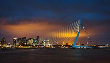 Pont Erasmus Rotterdam de nuit sur Erik Wardekker