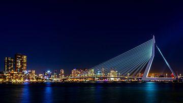 Erasmus-Brücke bei Nacht (16:9) von Lolke Bergsma