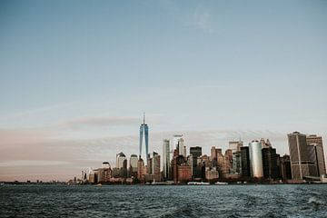 Skyline New York von der Upper Bay bei Sonnenuntergang von Trix Leeflang