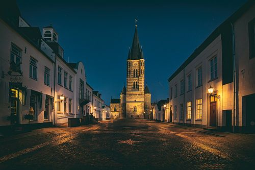 Een verlaten plein in Thorn, het witte stadje in Limburg
