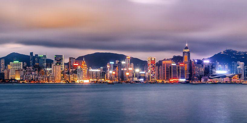 Hong Kong Skyline VIII van Cho Tang