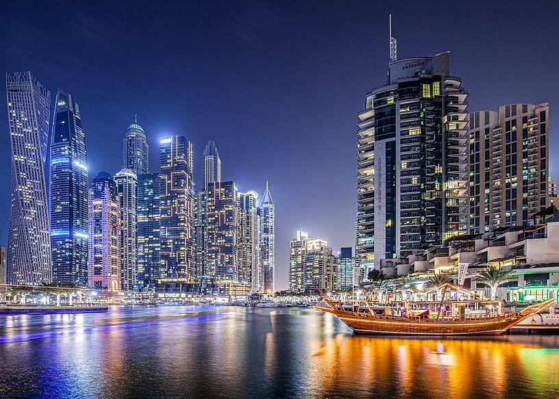 Marina Dubai 3 van Wilma Wijnen