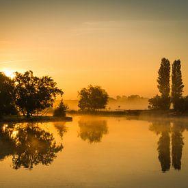 Gouden ochtend in Warmond tijdens zonsopkomst van Marja Spiering