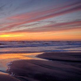 Sunset at Tornby beach sur Koos de Wit