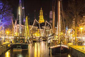 Zeilschepen in het centrum van Groningen tijdens Winterwelvaart