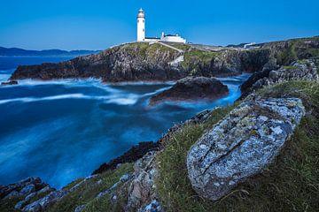 Irland Fanad Head Luechtturm bei Nacht von Jean Claude Castor