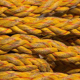 Scheepstouw geel van Michèle Huge