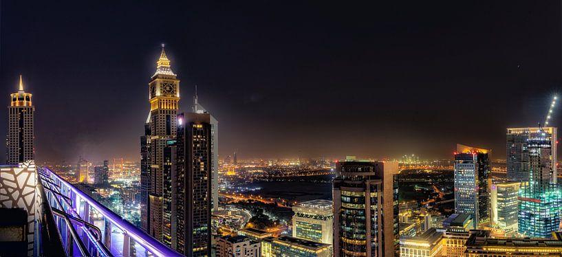 Dubai Skyline van Michael van der Burg