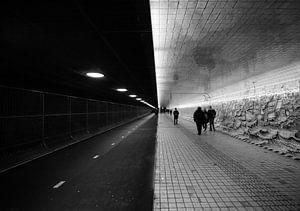 Tunnel van