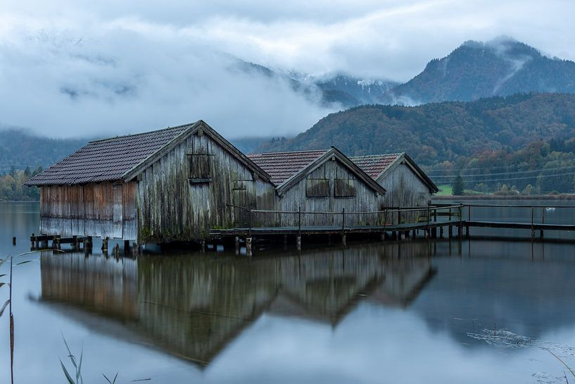 Fischerhütten am Kochelsee von Petra Leusmann