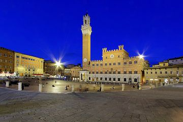 Piazza del Campo Siena sur