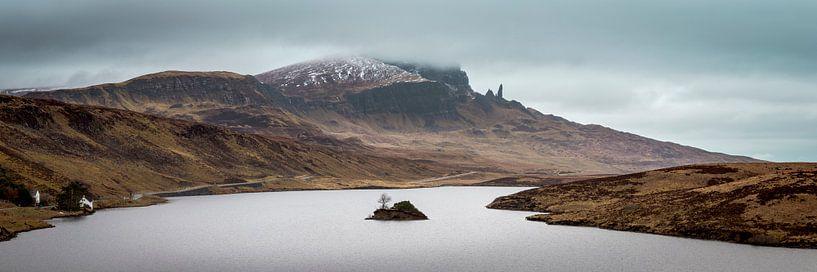 Loch Fada und Old Man of Storr von Henno Drop