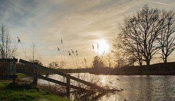 Zonsondergang bij de Regge. van Hans ter Elst