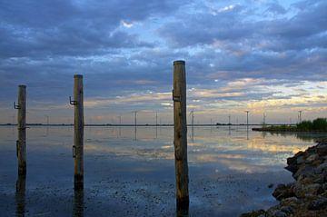 Zonsondergang Palendijk Eemmeer van Watze D. de Haan