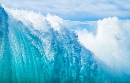 Muur van water. van Hennnie Keeris