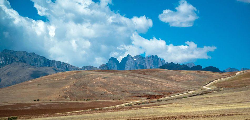 Bergtoppen van de Andes, Peru van Rietje Bulthuis