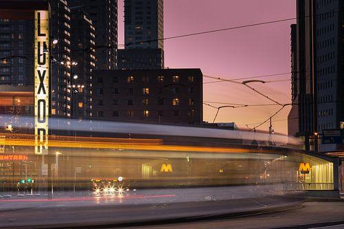 Rush hour in Rotterdam van Ilya Korzelius