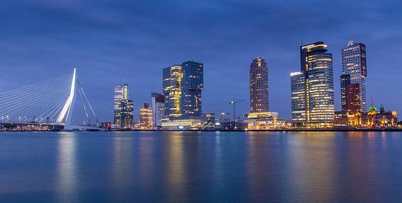 Rotterdam Skyline @ Night van Jack Tet