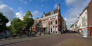 Hoek Oudegracht en Lange Smeestraat in Utrecht