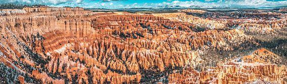 Indrukwekkend panorama van amphitheater in Bryce Canyon, Utah
