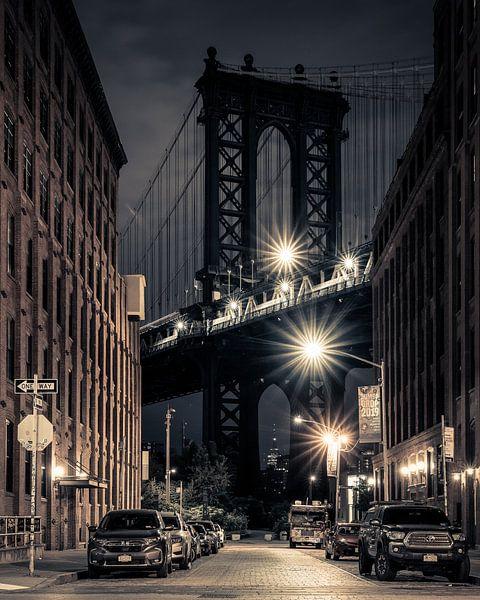 Pont de Manhattan à Dumbo Brooklyn sur Bert Buijsrogge