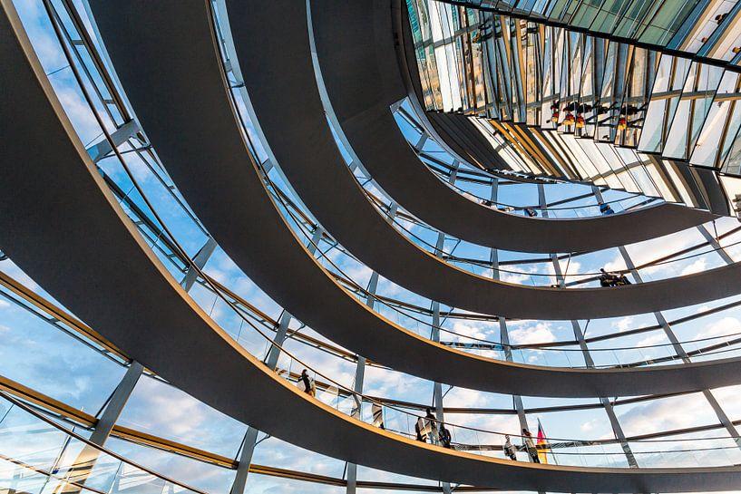 Koepel Reichstaggebouw van Steve Van Hoyweghen
