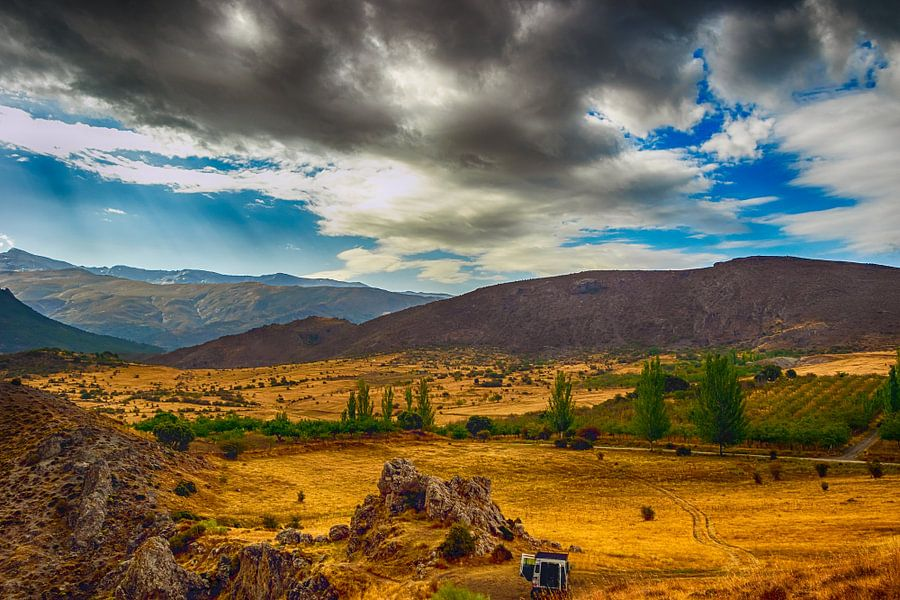 The Wild Wild West in the Sierra Nevada van Patrick van Oostrom