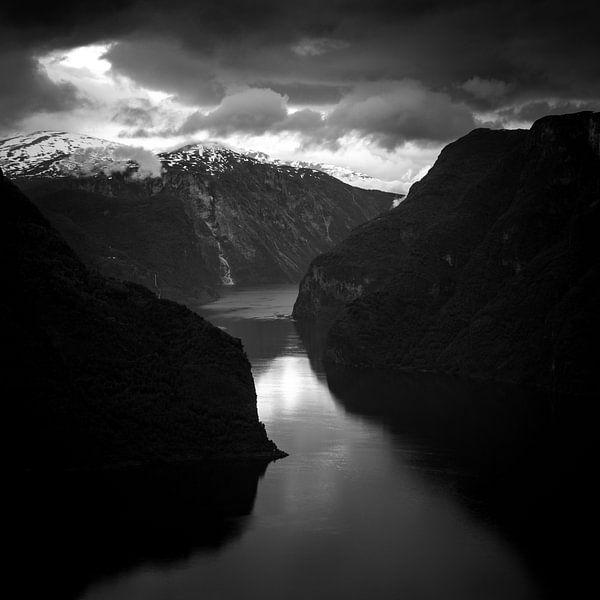 The Passage van Joshua van Nierop