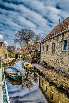 Slootje in het Friese stadje Hindeloopen von Harrie Muis