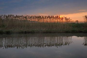 Zonsopgang Valleikanaal von Willem van Leuveren Fotografie