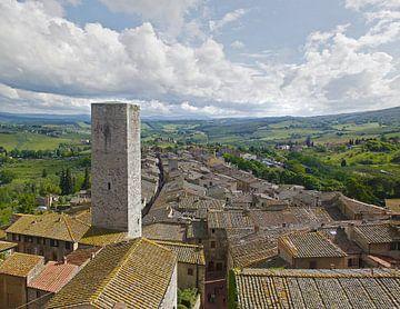 Uitzicht San Gimignano #1 van Sander van Dorp