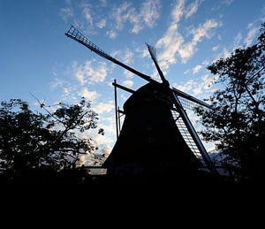silhouette d'un moulin