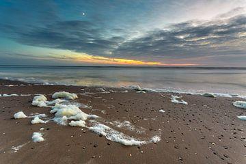 zonsondergang aan zee van Bernadet Gribnau