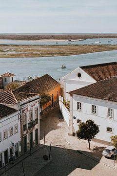 Uitzicht Castelo de Faro, Portugal van Manon Visser