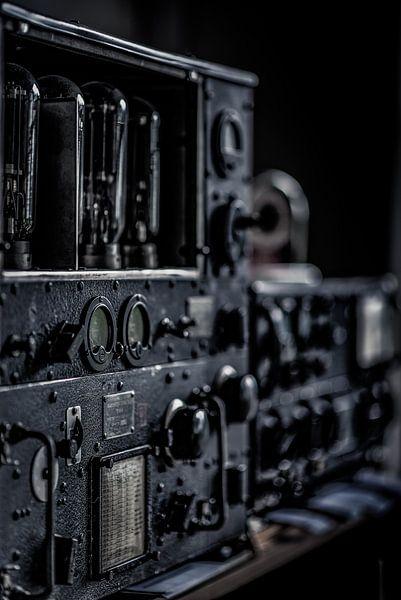 lange afstand buizen radiozender van Okko Huising - okkofoto