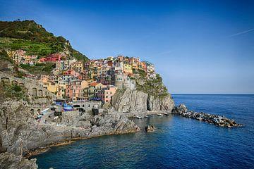 Manarola - Cinque Terre - Italië van Gerard Van Delft