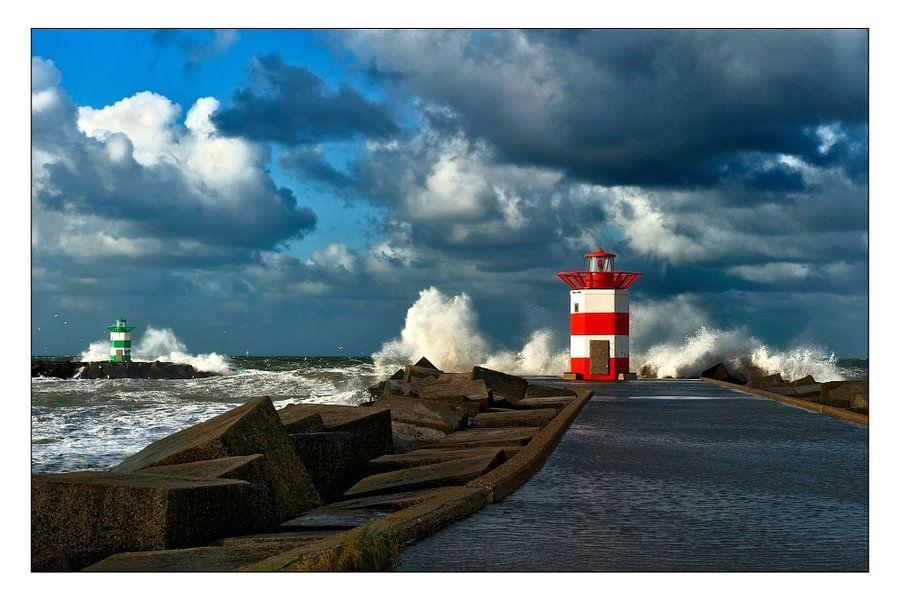 Storm aan zee.