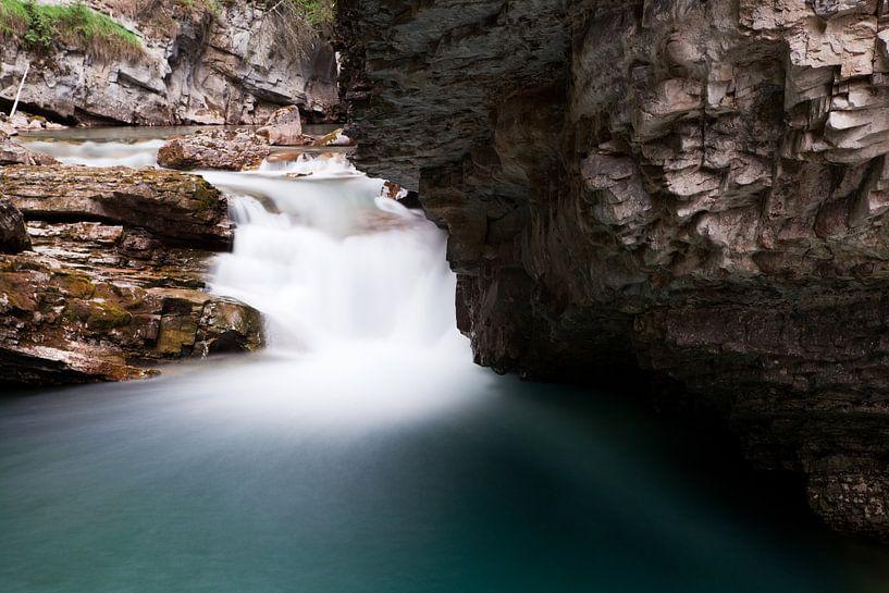 Waterfall in Canada van Ellen van Drunen