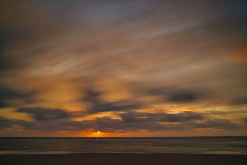 Sonnenuntergang Katwijk aan Zee lange Belichtung von Wim van Beelen