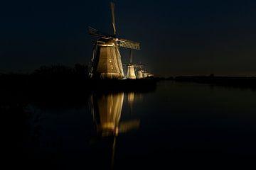Windmolens in de nacht sur Robert van Brug