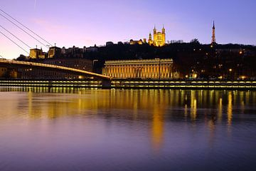 Lyon in de avond van Patrick Lohmüller