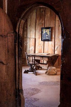 Der Schreibtisch von Martin Luther. Dies ist die weltberühmte Agentur, in der er das Neue Testament  von Jeroen Langeveld, MrLangeveldPhoto