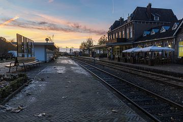 zonsondergang station Simpelveld 2 van Francois Debets