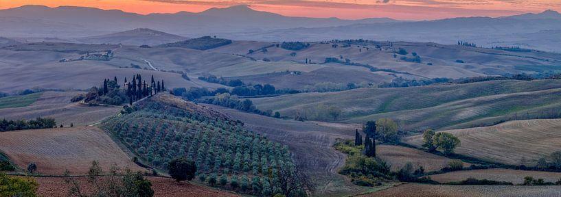 Panorama landschap bij Podere Belvedere in Toscane  van Teun Ruijters
