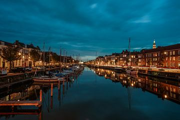 Middelburg am Abend 3 von Andy Troy