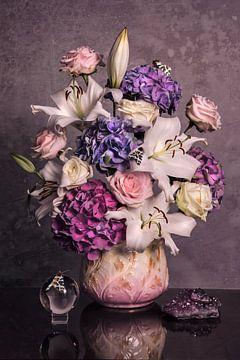 Engels boeket in roze en lila van Maaike Andrews