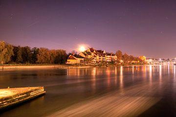 Uitzicht op de maan van Regensburg van Roith Fotografie