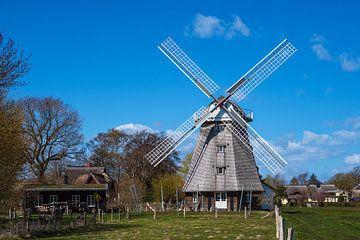 Historische Windmühle in Ahrenshoop auf dem Fischland-Darß von Rico Ködder